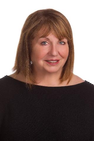 Chromchak, Kathleen