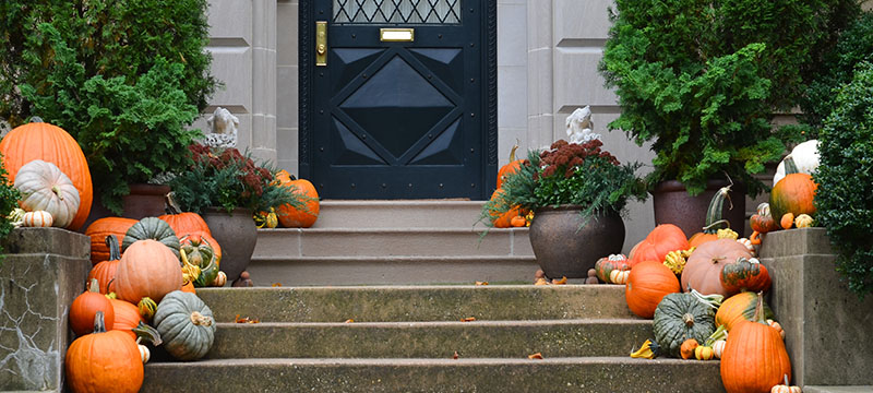 Home Staging: Bright Ways to Bring Fall into Your Sale