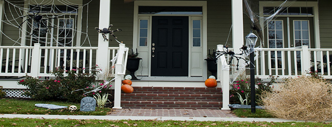 The Trick to Treating Buyers this Halloween? Don't Let Your Decor Scare them Away!