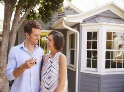 The Do's and Don'ts of Buying a Home When You're Not Married