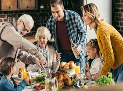 Five Tips to Hack Your Way to Hosting a Perfect Thanksgiving Day