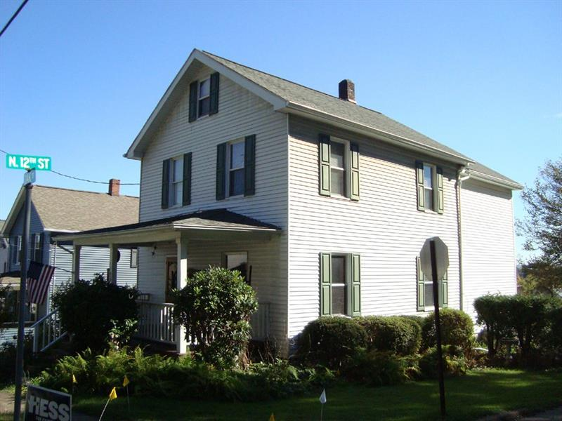 1196 Oak Street