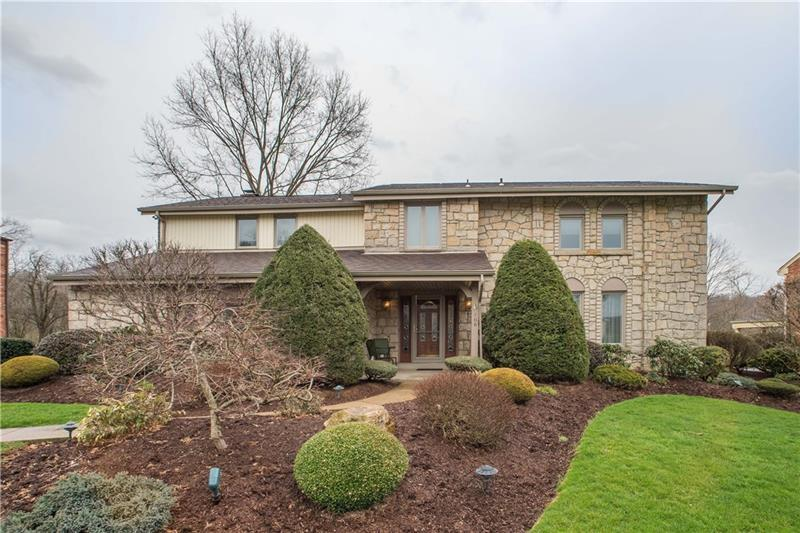106  Aston Court, Peters Township