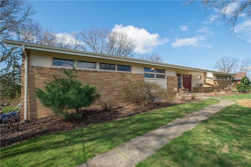 231  Ridgeview, Peters Township