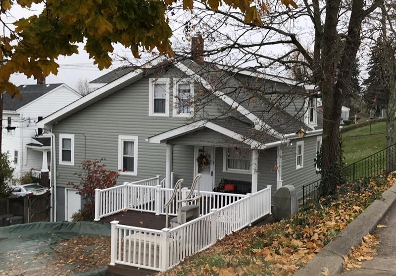 1439 Rostraver Street