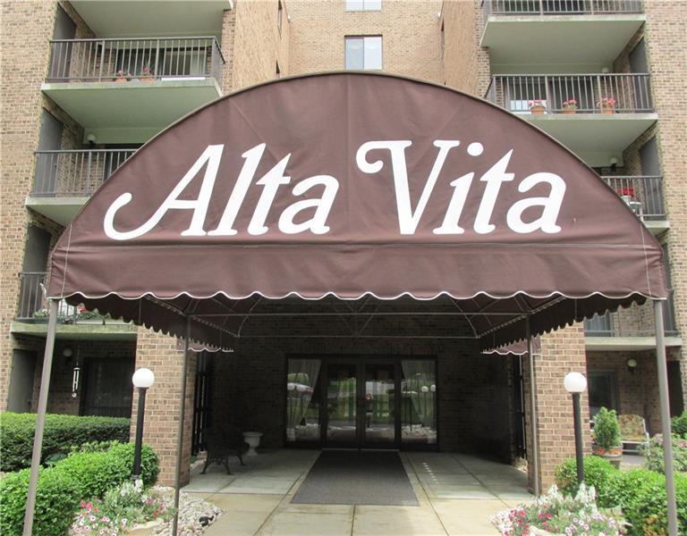 3  Alta Vita Drive, Hempfield Township
