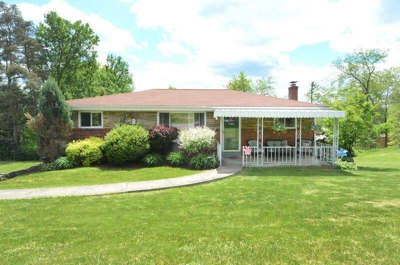 4386 Willow Heath Drive, Bethel Park