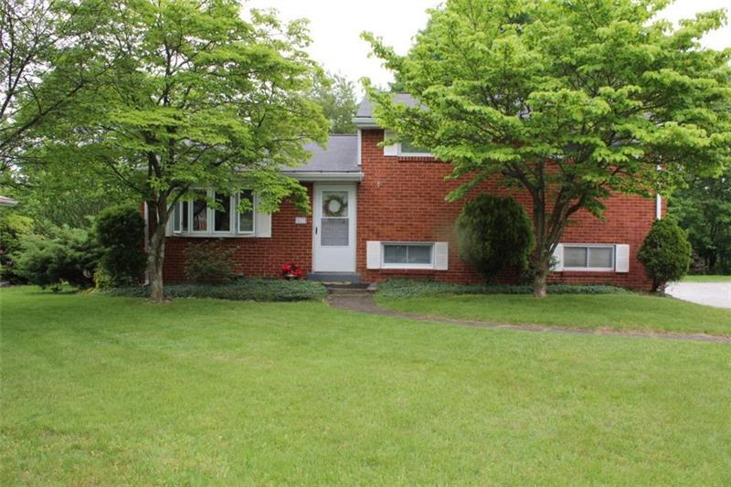 517  Bloomfield Dr, Hempfield Township