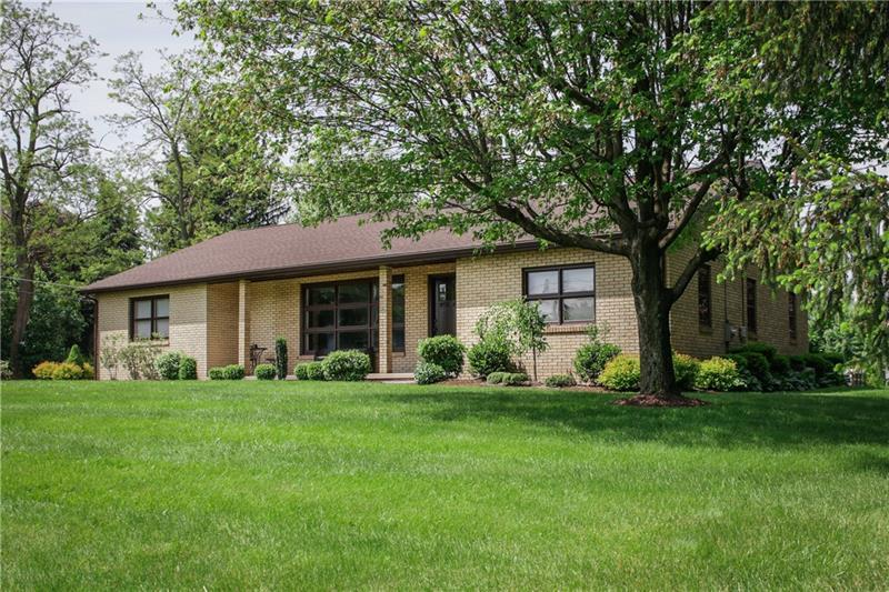 535 Sunset Dr, Center Township