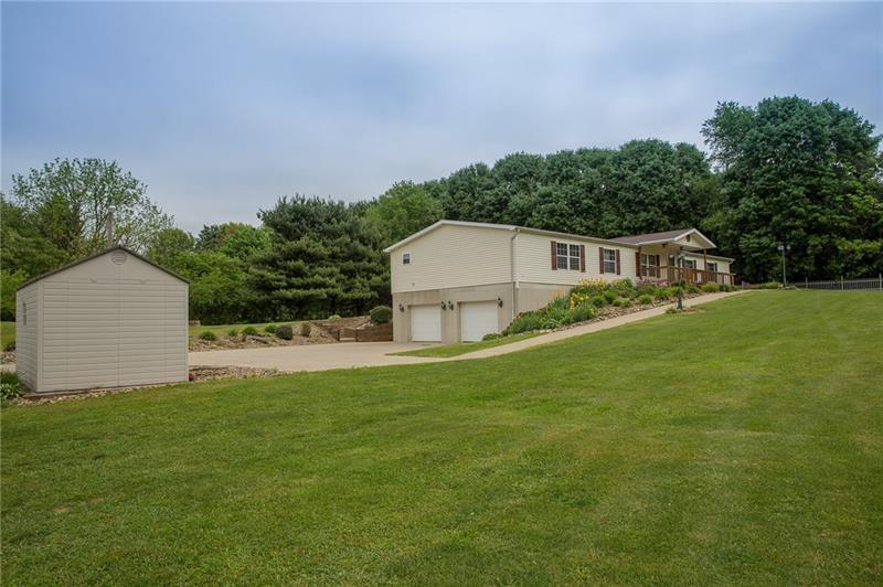 131 W Brewster Rd, Center Township