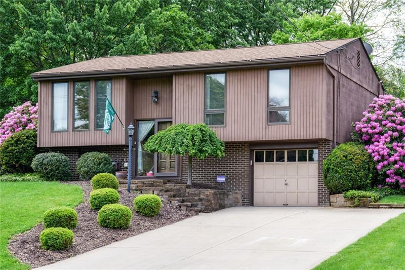 52 Rolling Road, Cranberry Township
