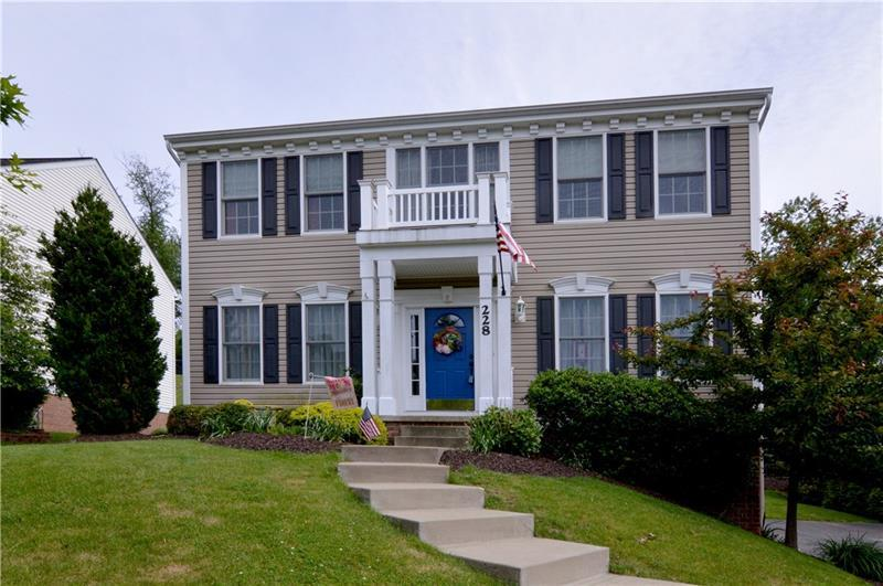228 Walnut Dr, Peters Township