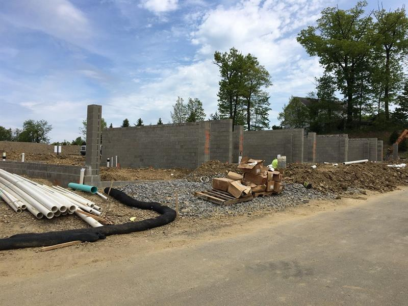2703 Pointe View Drive, 30C, Adams Township