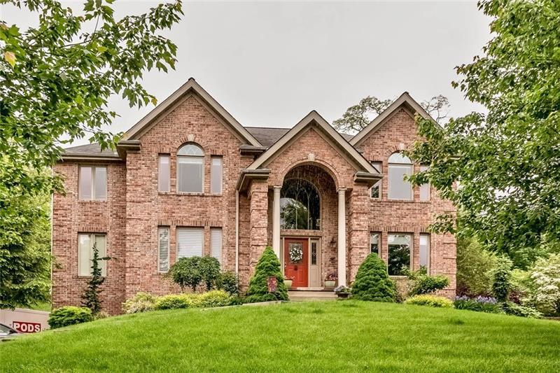 112 Golfview Dr, Adams Township