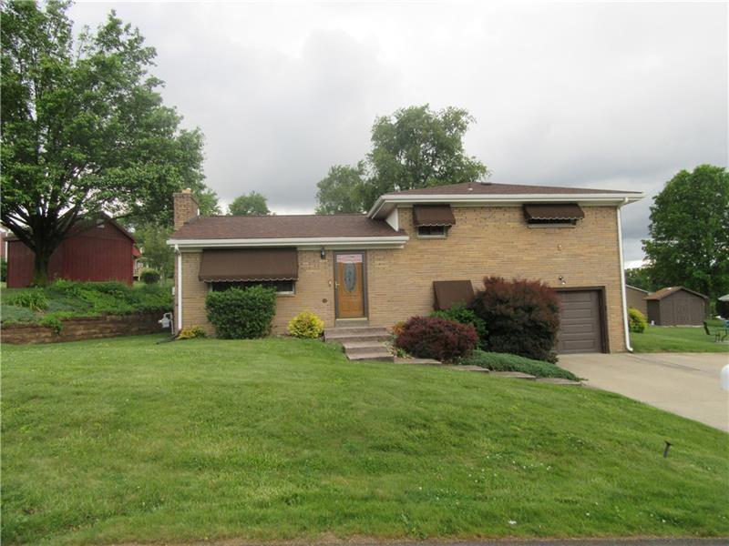 142 Gourley Lane, Center Township