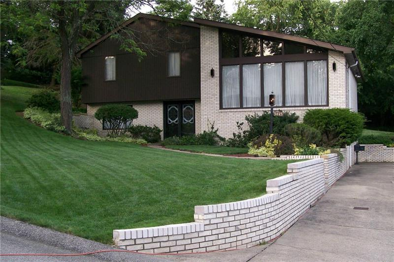 3445 Fawn Valley