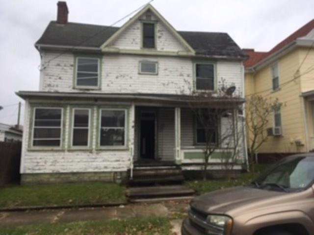 62 Lawn Ave