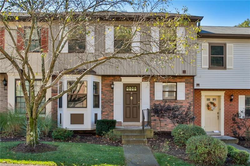 587 Thorncliffe