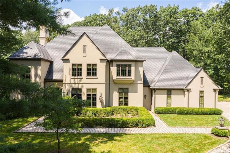 251 W Chapel Ridge Drive