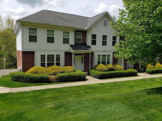 104 Lakeview Ct #4