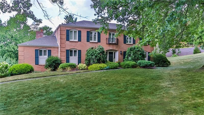 2370 Golfview Dr