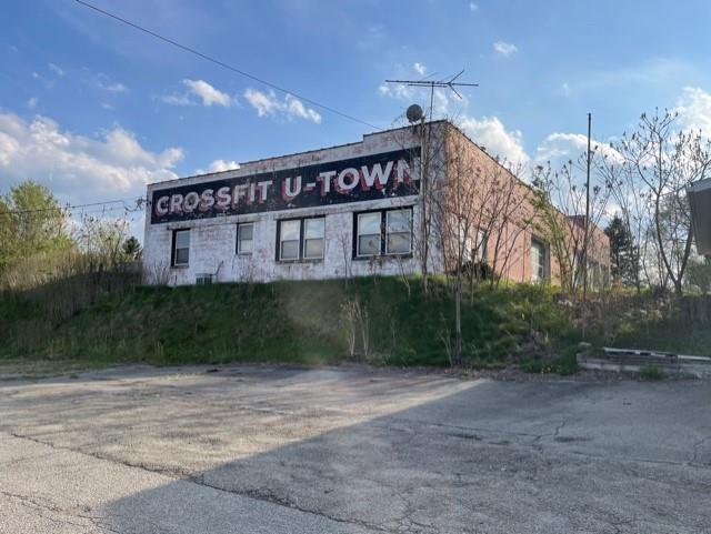 542 Morgantown St