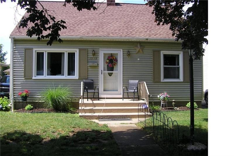 1912 W 33rd St