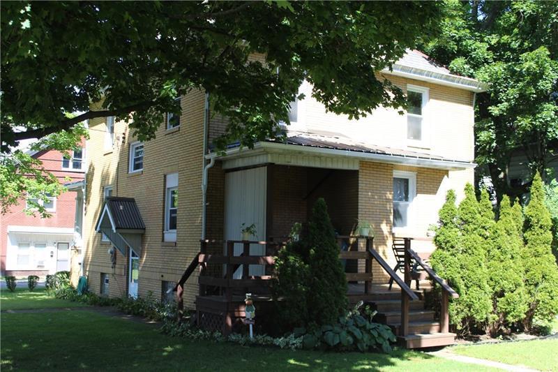 44 Columbia Ave  Photo 3