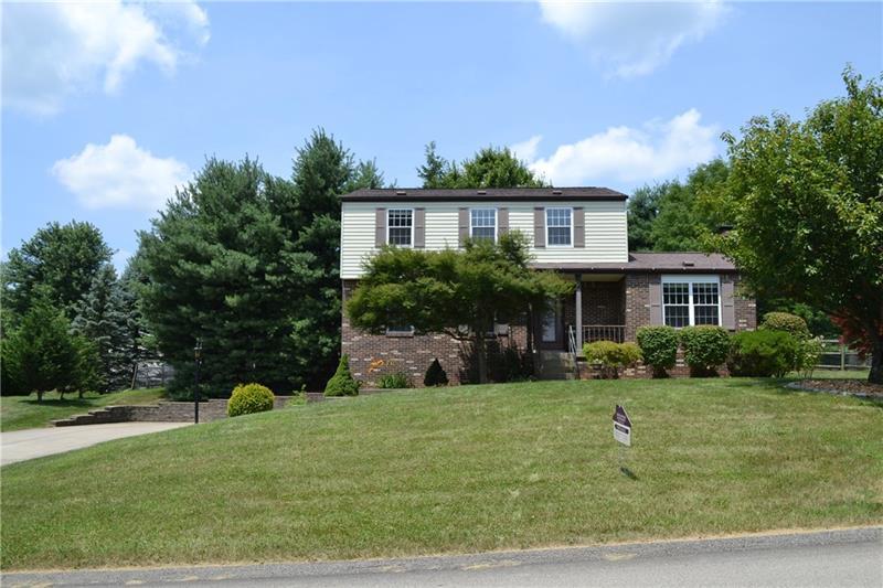 2216 Woodmont Drive  Photo 1