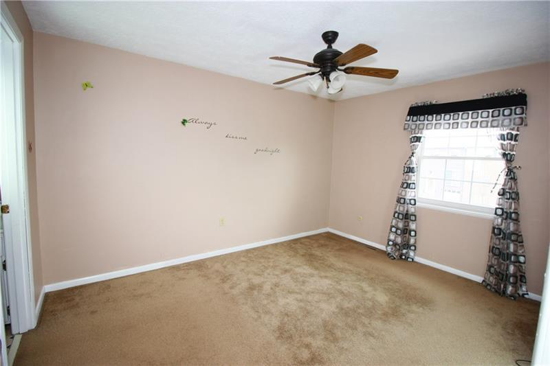 1305 Harewood Sq  Photo 6