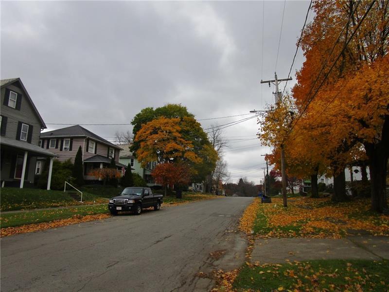 7 Sherrard Ave  Photo 24