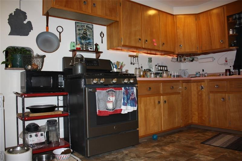 37 Overhill Dr  Photo 1