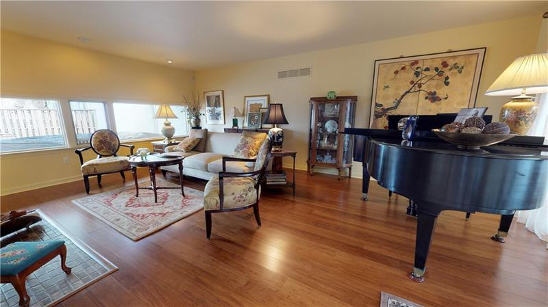13 Dinell Dr  Photo 8