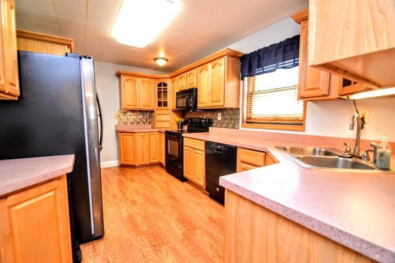 1060 Tuscarawas Rd  Photo 1