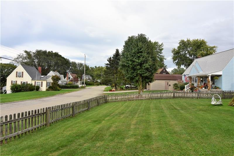 508 Ridgeview Drive  Photo 2