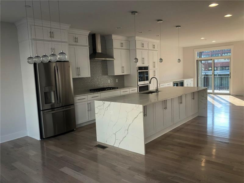 1634 Waterfront Place  Photo 6