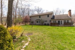 104 Oakwood Dr  Photo 4