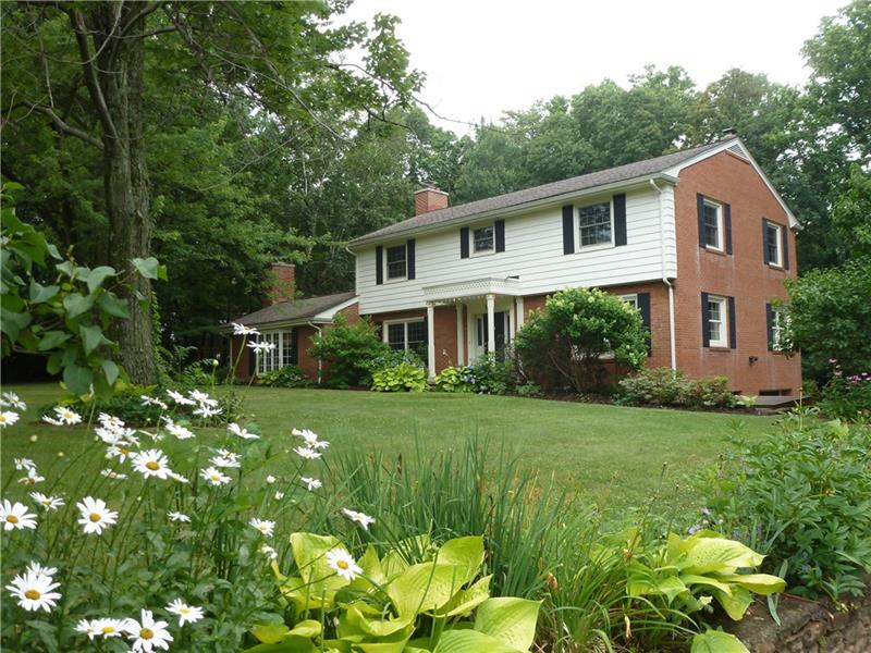 259 Grandview Dr, Unity Township