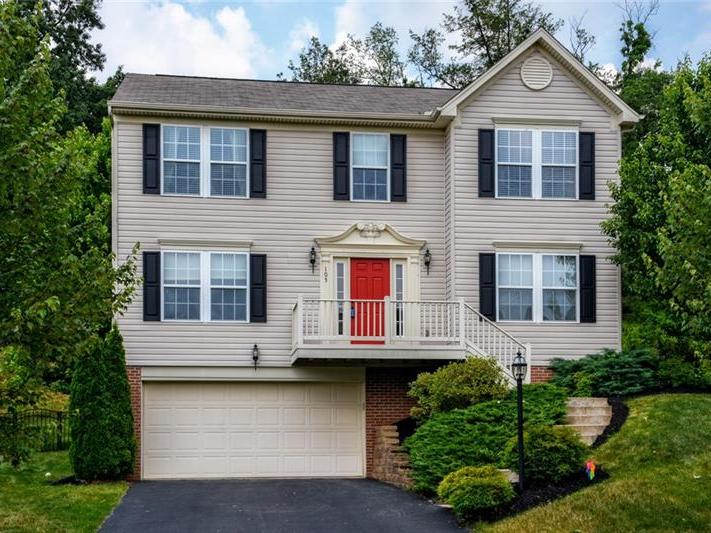 105 Lawnview Court, Cranberry Twp