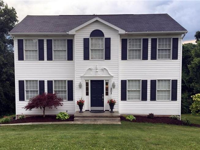 203 Ruth Way, South Fayette