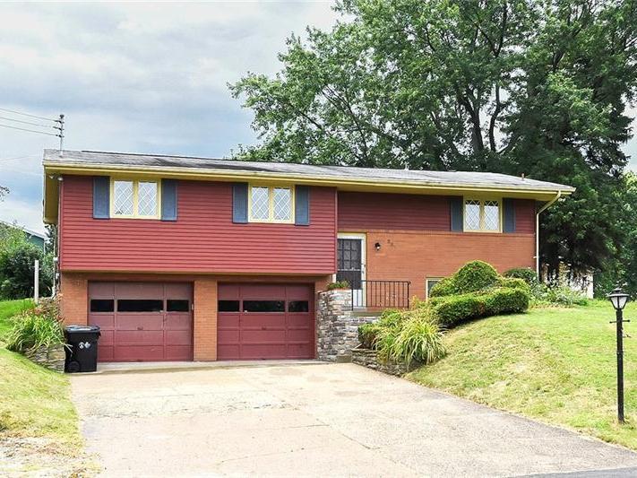 237 Alcott Dr, Ohio Township