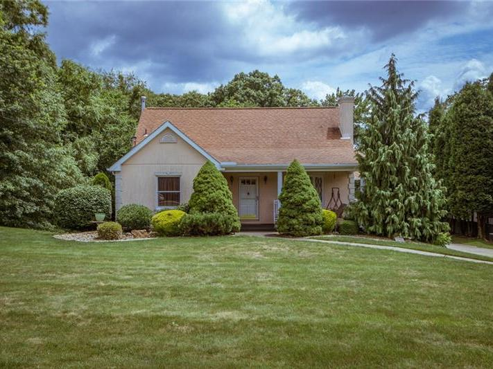 2400 James St, Hopewell Township