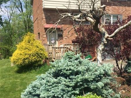 940 Academy Heights Dr, Hempfield Township