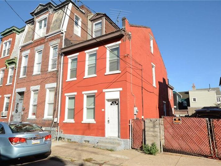 91 S 15th Street, South Side