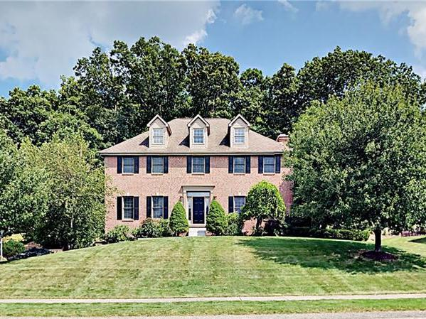 128 Oakview Drive, Cranberry Twp
