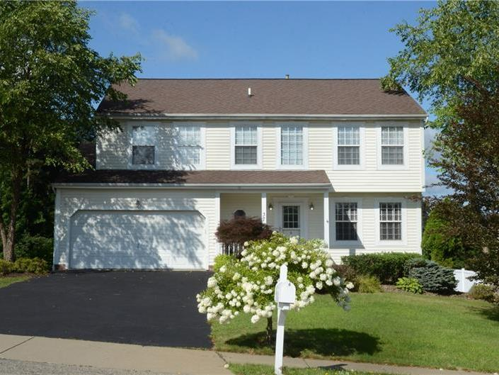 37 Westchester Ct, Robinson Township