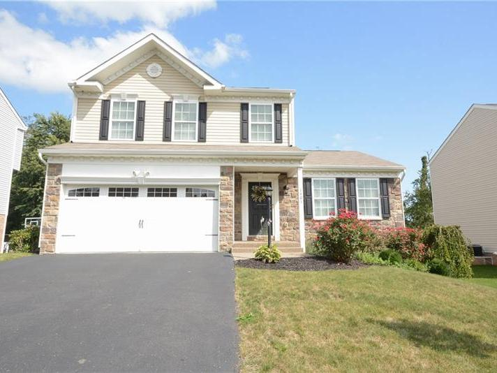 1401 Lucia Dr, Canonsburg