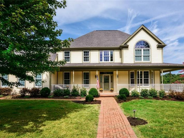 129 Golfview Drive, Adams Township