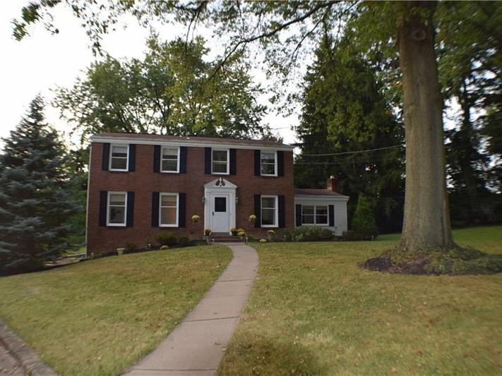 121 Windy Willows, Moon-Crescent Twp