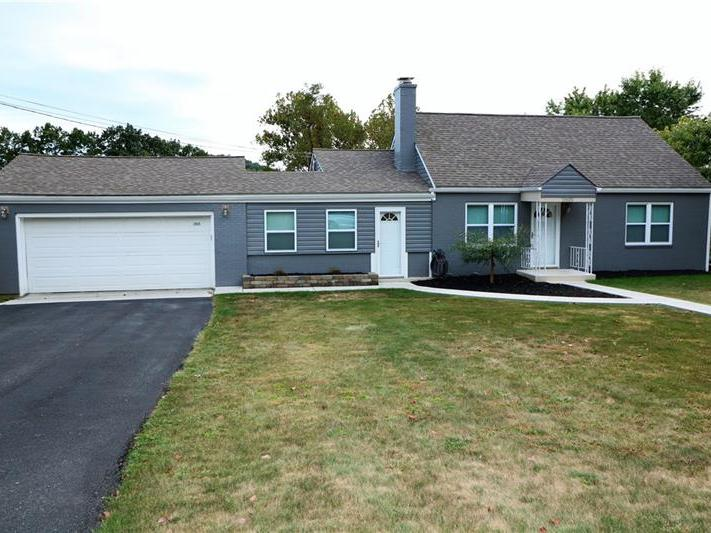 2825 Patterson Drive, Hopewell Township